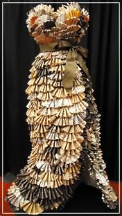 Fan-dress